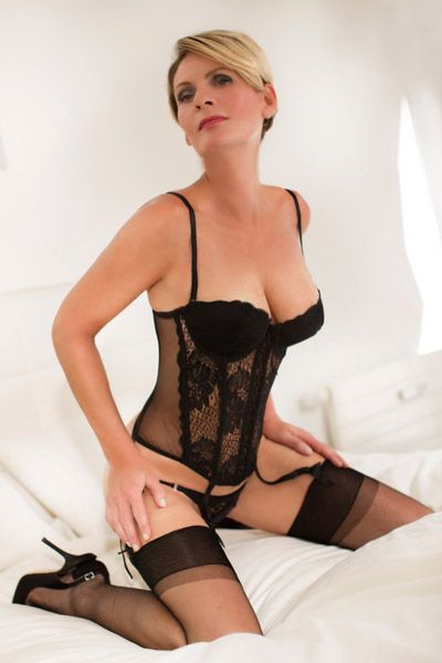 free online chat rooms elite escort service