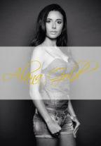 Vip Model Monica